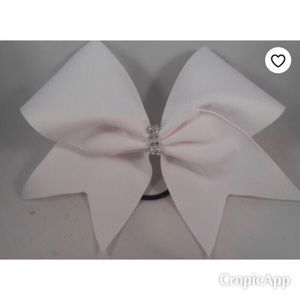White cheer bow